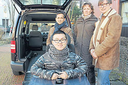 Uebergabe Auto an Toni Lee
